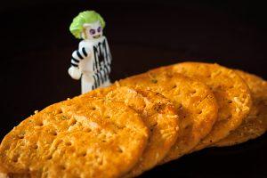 Cracker und Beetlejuice als Lego-Figur.